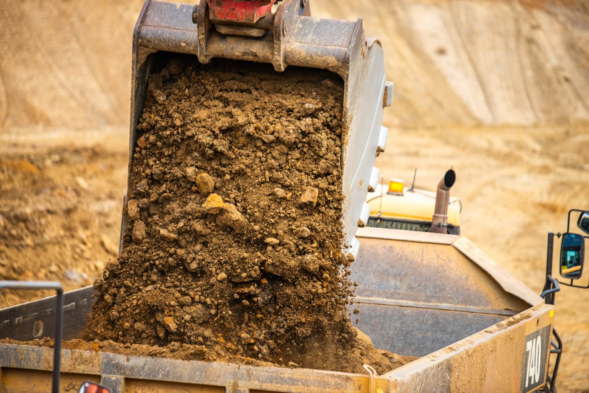 Hunter Bros - Barossa Valley Storage Dam Project - bucket
